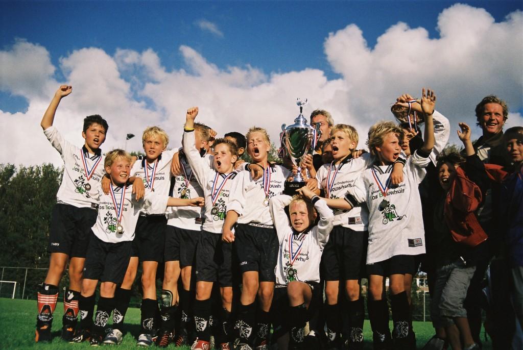 1ste kampioen 2004 always forward