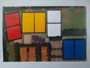 het NK jeugdvoetbal werkt met velden aangeduid in de kleuren oranje, rood, wit en blauw.